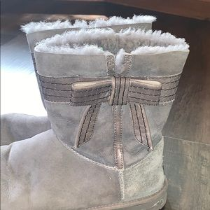 Gray bow UGG boots